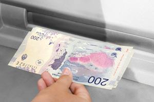 depósito de dinero en cajero automático